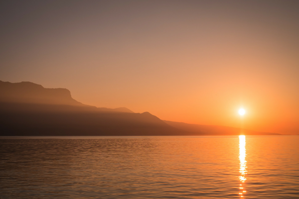 8 Things I Learned About the Benefits of Sun Gazing